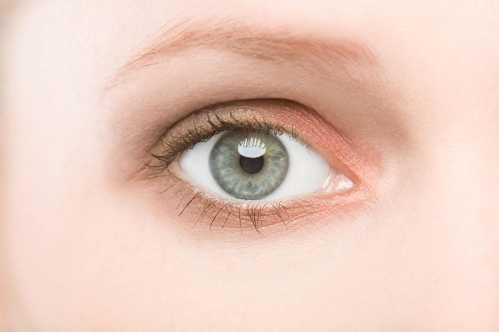 小孩子眼睛有红血丝_眼睛有血丝 眼睛有红血丝要怎么消除 - 无锡惠山科达包装印刷厂